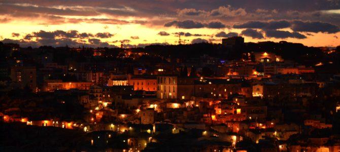 Matera, tramonto tra i Sassi